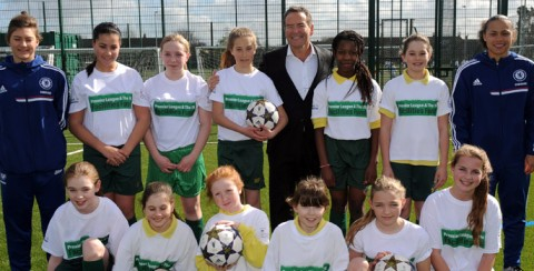 Chelsea Ladies and Jeff Stelling open school pitch