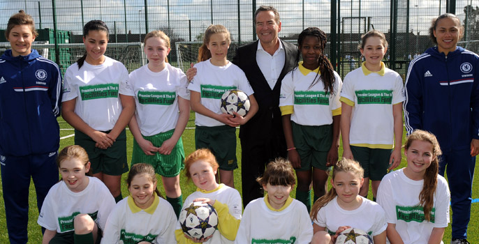 Chelsea Ladies and Jeff Stelling open school football pitch