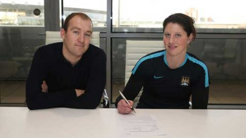 Marie Hourihan signs for Manchester City Women