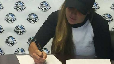 FC Kansas City signs rookie Alexa Newfield