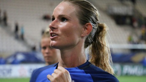 It's finally official… Amandine Henry joins PSG