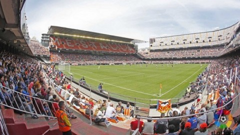 Record Crowd of 17,000 watched Valencia CF V Levante UD