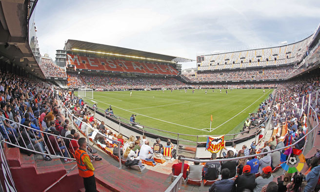 Spanish women's football is real winner as 17,000 watch Valencia beat Levante in an historic Valencian derby!
