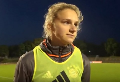 Vivianne Miedema signs Contract to play for Arsenal Ladies