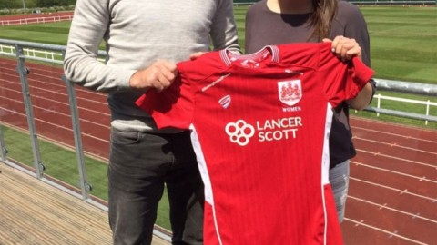 Bristol City announce the signing of Carla Humphrey from Arsenal Ladies