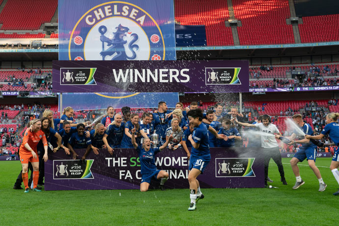 Chelsea celebrate their 2018 SSE Women's FA Cup win