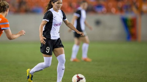 Seattle Reign FC Re-sign Forward Nahomi Kawasumi