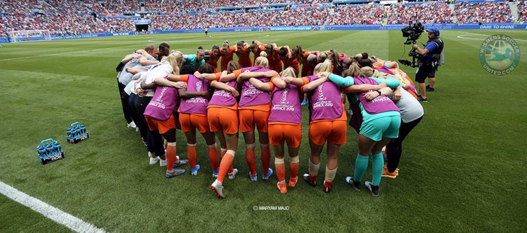 Submit an article on Women's Soccer United