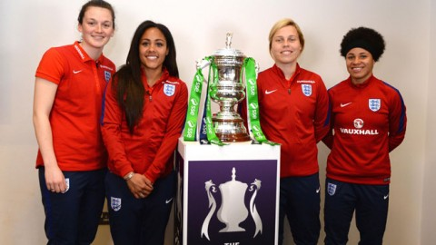 "Alex Scott: ""To walk out at Wembley in an Arsenal shirt would be amazing"""