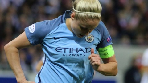 Steph Houghton pens new Manchester City deal