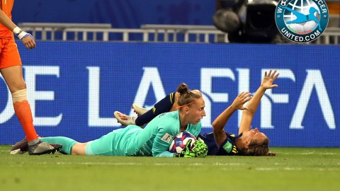 Sari van Veenendaal wins IFFHS World's Best Goalkeeper 2019
