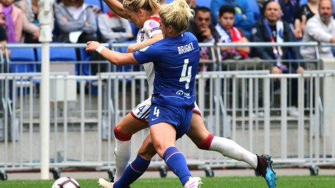 Millie Bright pens new Chelsea deal