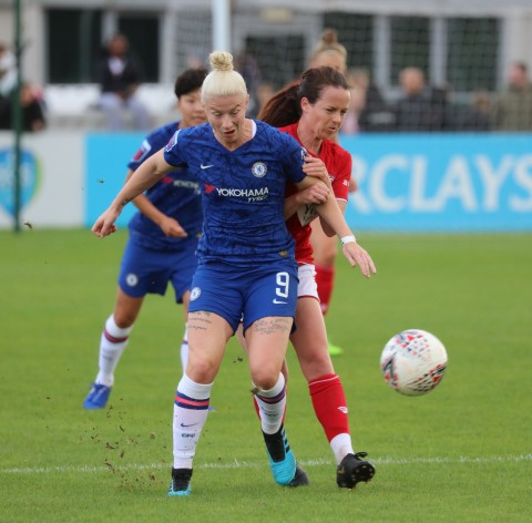 Bethany England extends Chelsea contract